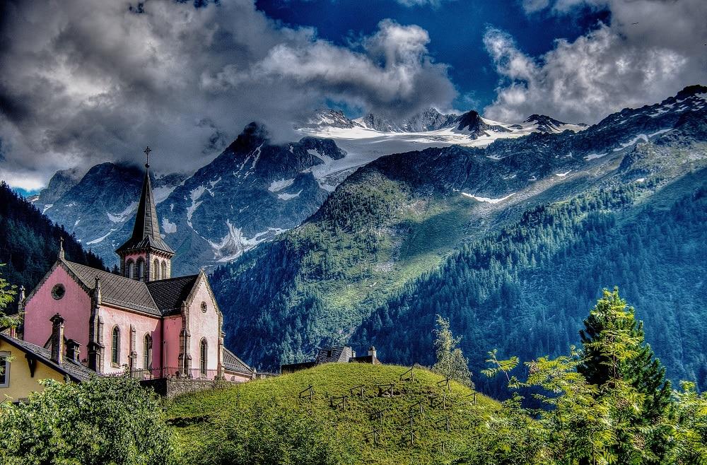 Trient sur le Tour du Mont Blanc - trek en France dans les Alpes