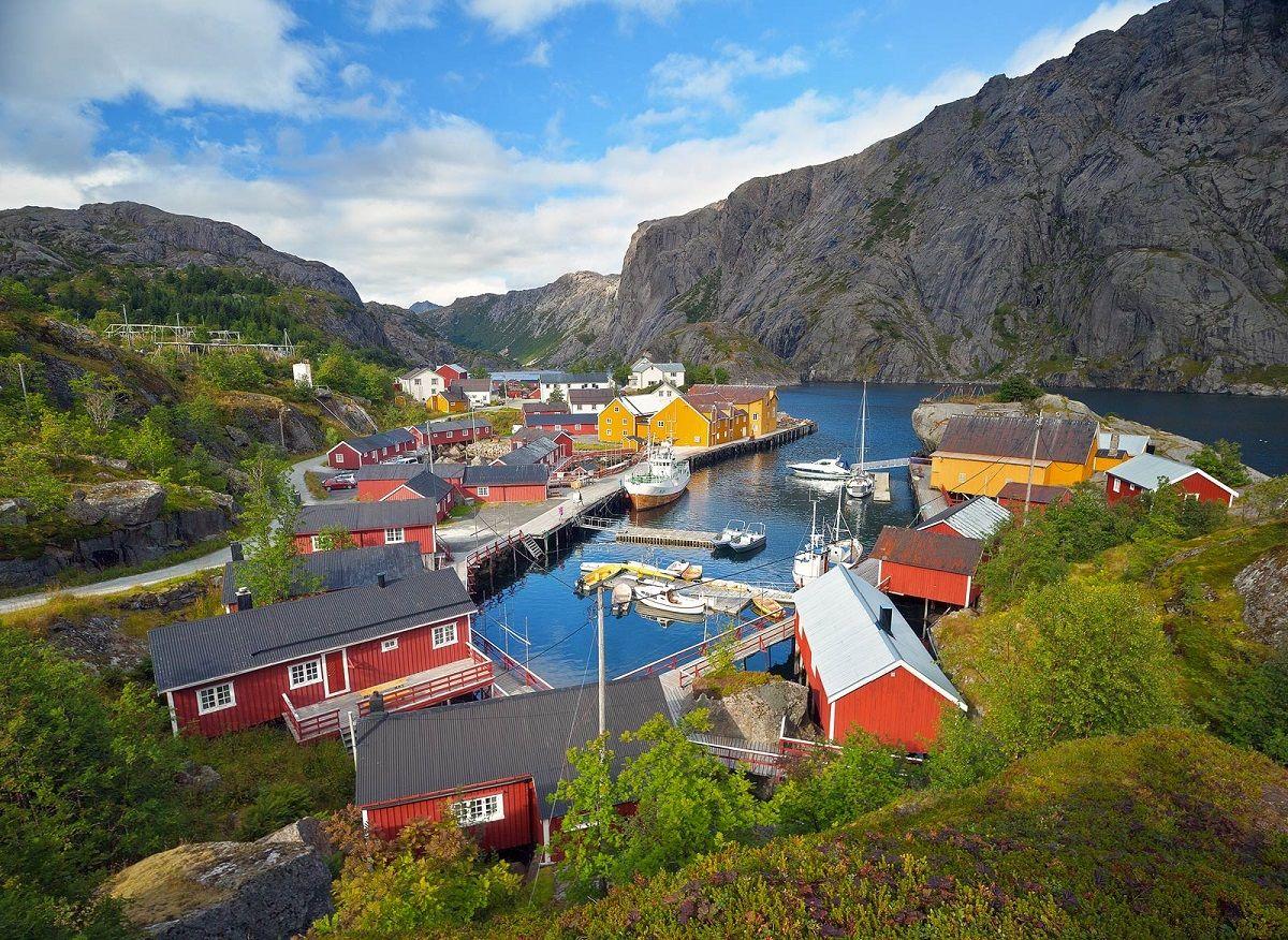 Nusfjord-dans-les-iles-lofoten-randonnée