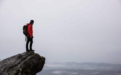 Vêtements en montagne : maîtriser l'art de la superposition.