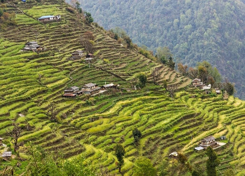 préparer un trek au népal - village de la région des annapurnas