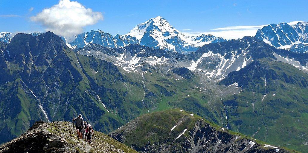 Tour-du-Mont-Blanc-trek-en-France-Italie-et-Suisse