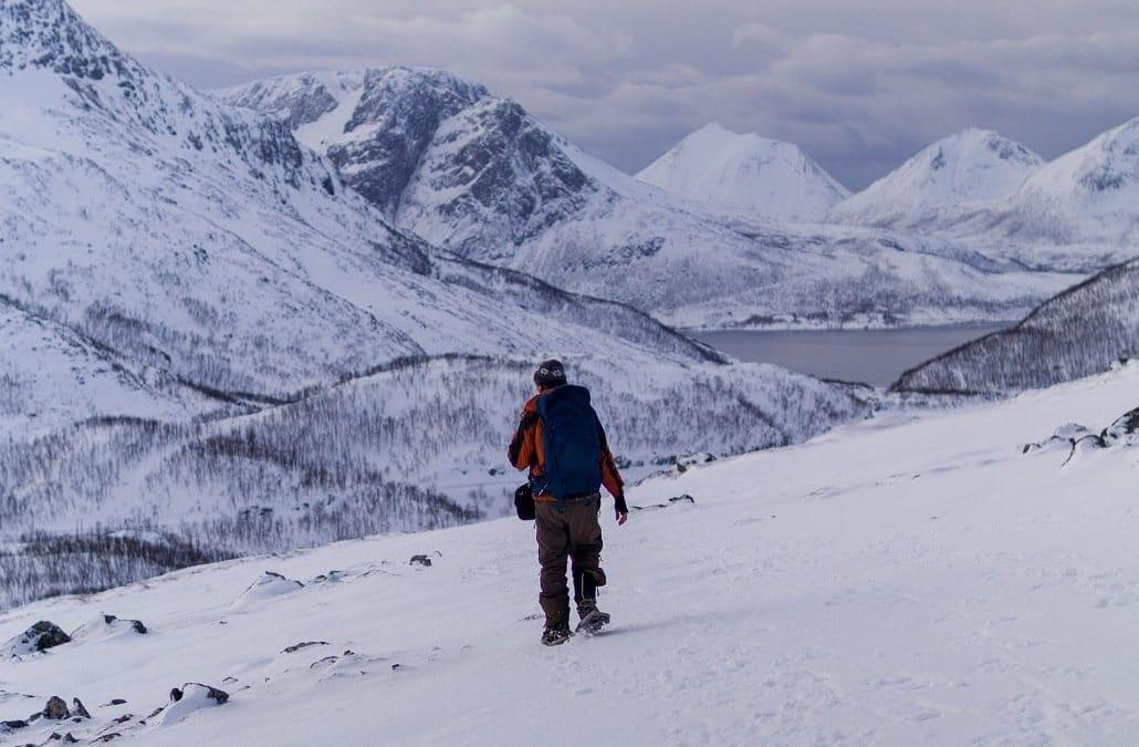 Comment s'habiller pour une randonnée en raquettes à neige ?