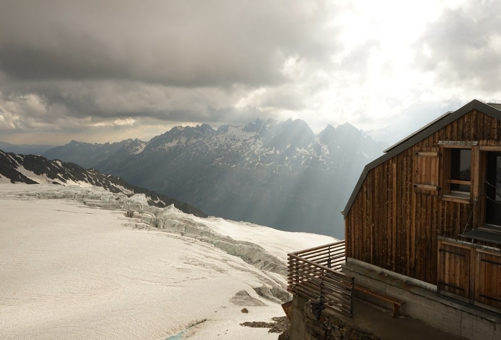 Le refuge Albert 1er but d'une randonnée près de Chamonix en haute montagne