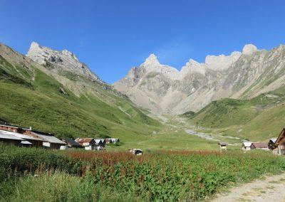 village sur le sentier