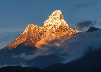 Le sommet de l'Ama Dablam sur le chemin du Camp de base de l'Everest