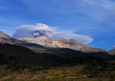 Le Sabancaya en éruption